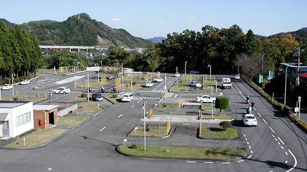 上野原自動車教習所写真